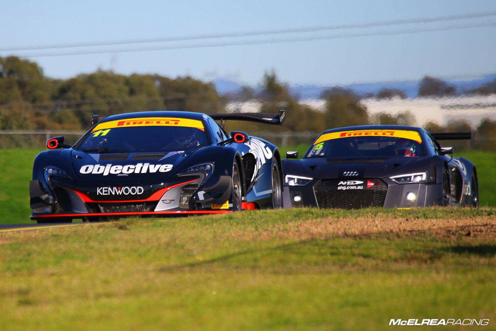 Tony Walls and Warren Luff in the Objective McLaren at Sydney Motorsport Park