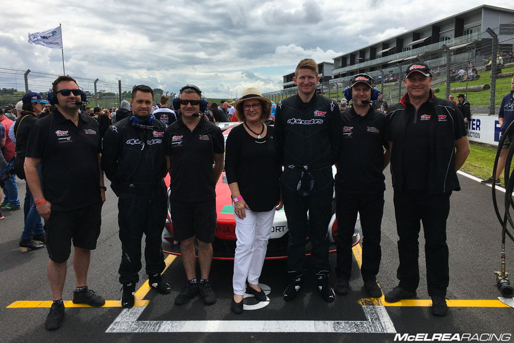 McElrea Racing with Frazer Ross, Alvaro Parente and Jan McLaren at Hampton Downs
