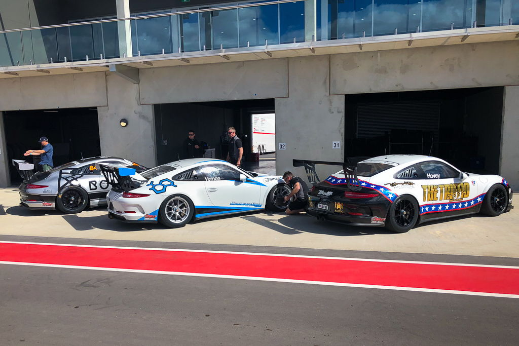 McElrea Racing in the pits at Tailem Bend with the Porsche GT3 Cup Challenge