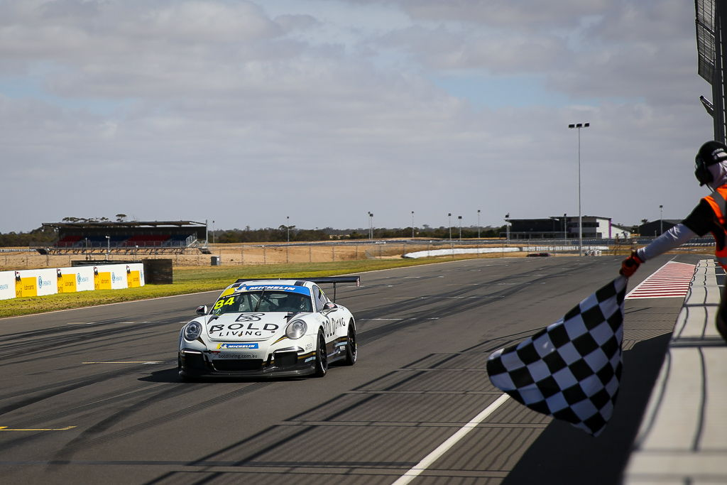 Harri Jones with McElrea Racing at Tailem Bend for round 6 of the Porsche GT3 Cup Challenge 2019