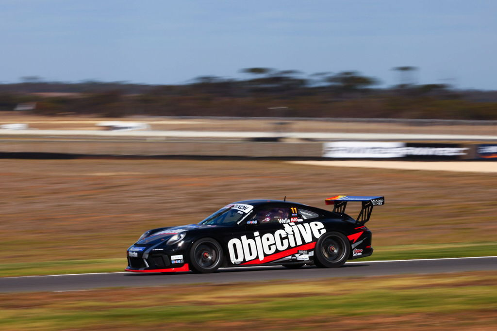 Jackson Walls with McElrea Racing in the Porsche Carrera Cup at The Bend 2021